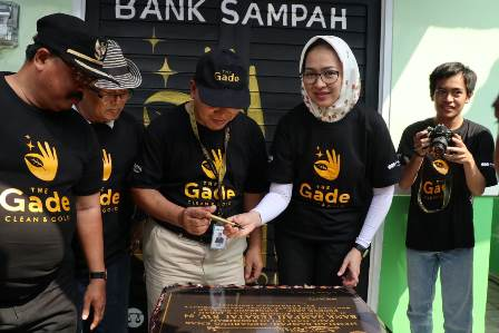 Airin bank sampah Teratai